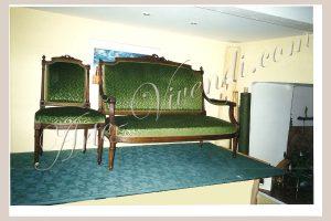 Canapé et chaise Louis XVI restauré avec velours gauffré couleur vert