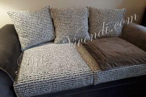 canape deux places velours gris fonce coussins velours noir et blanc