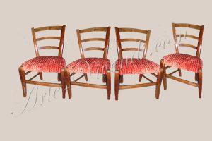 ancien chaise couvert en velours orange
