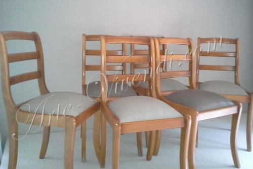 chaises habillage peau de galuchat synthétique couleur beige clair et beige foncé