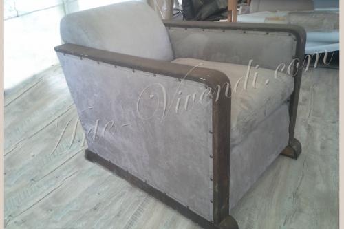 Ancien fauteuil carré avec coussin tissu suède marron clair