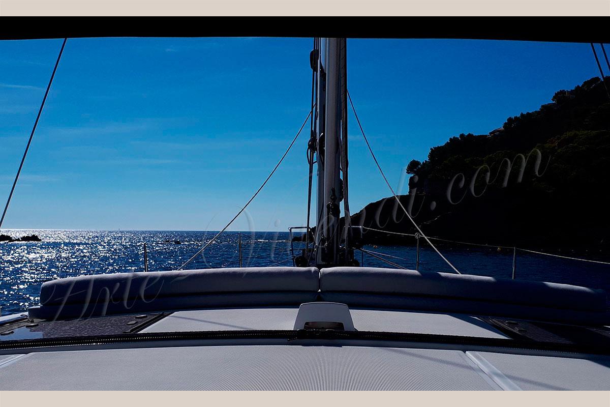 matelas exterieur d'un voilier couleurs bleu mer