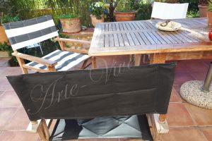 Trois fauteuils metteur en scene terrasse noir blanc